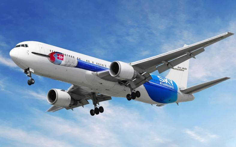 Avión Sky Europe
